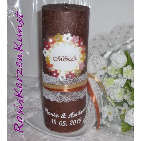 "Edel verzierte Hochzeitskerze "" Stripes"" in apricot-weiss"